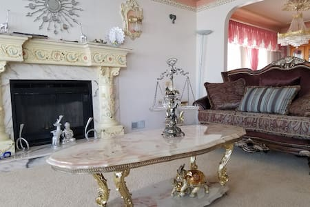 Gorgeous fmily house close Vancouver attractions. - Суррей
