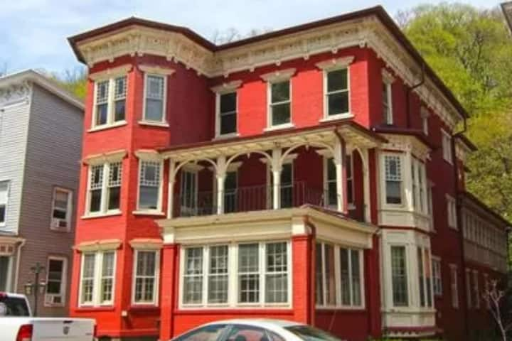 Victorian Mansion in Historic Jim Thorpe