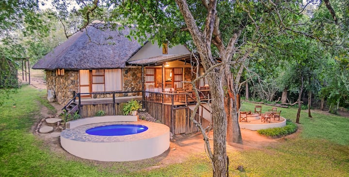 Kuname Manor Lodge