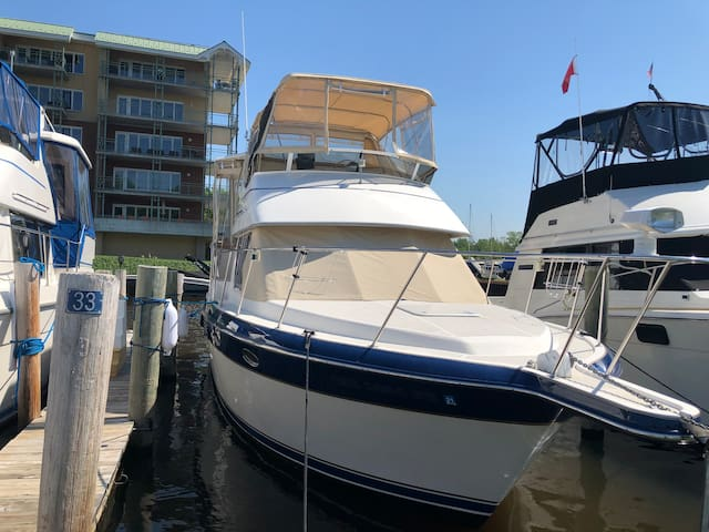 Kalibash 350 yacht  in Douglas Mi on Lake Mi