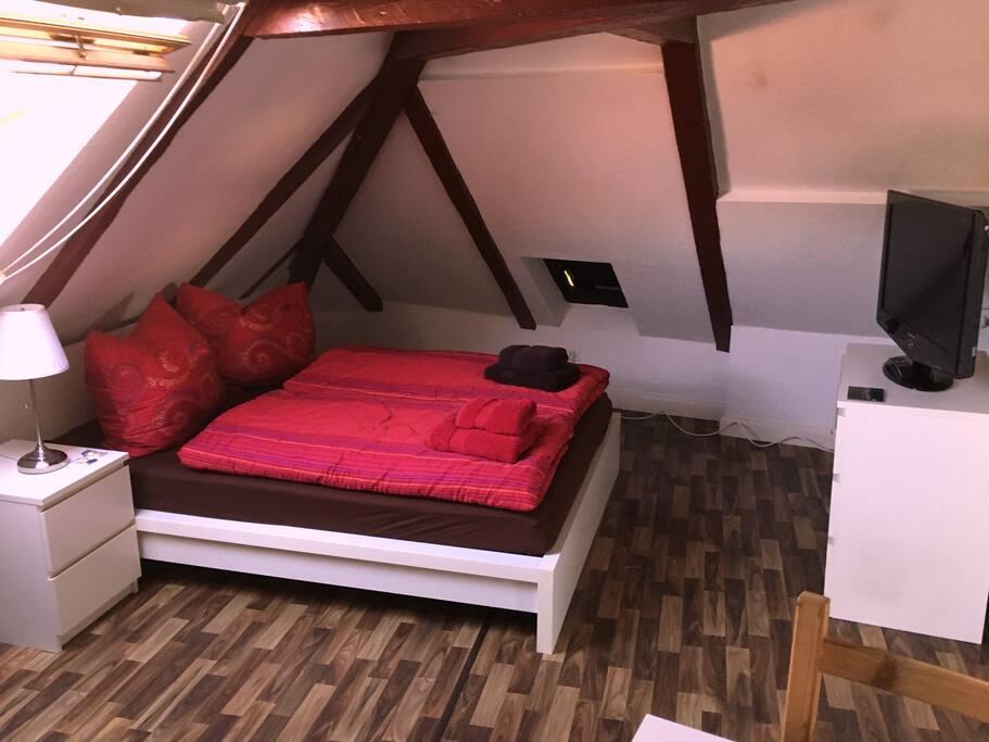 Doppelbett, TV