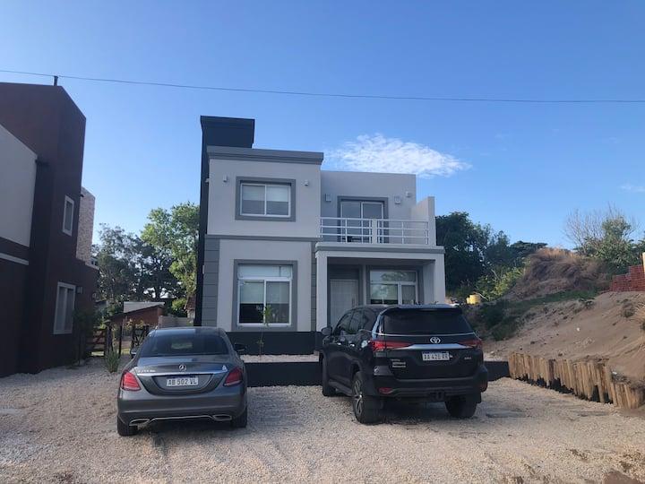 Casa N°3 Pinamar Nueva en PB P/6 pax 350 mts playa