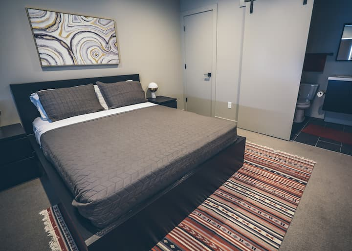 Private Modern Bed/Bath - Central 9th in Salt Lake
