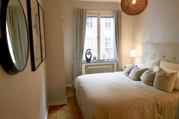 Central 2-room apt. in heart of Östermalm +balcony