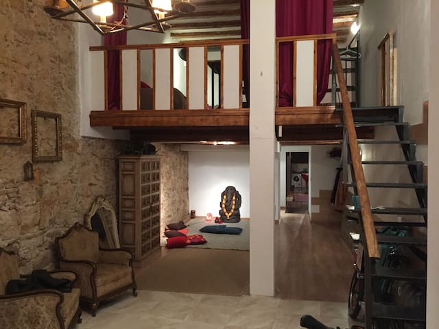 Loft room in the heart of Ciutat Vella - Barcelona - Dom