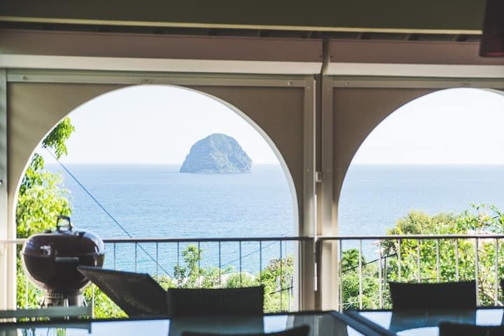 Villa Melote - magnifique vue du rocher du Diamant