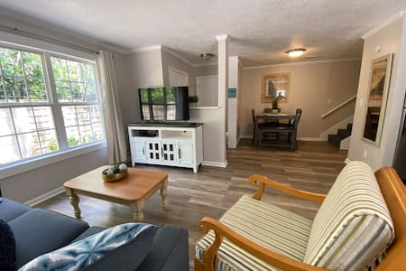 Beach Towne Villas- Walking distance to the beach