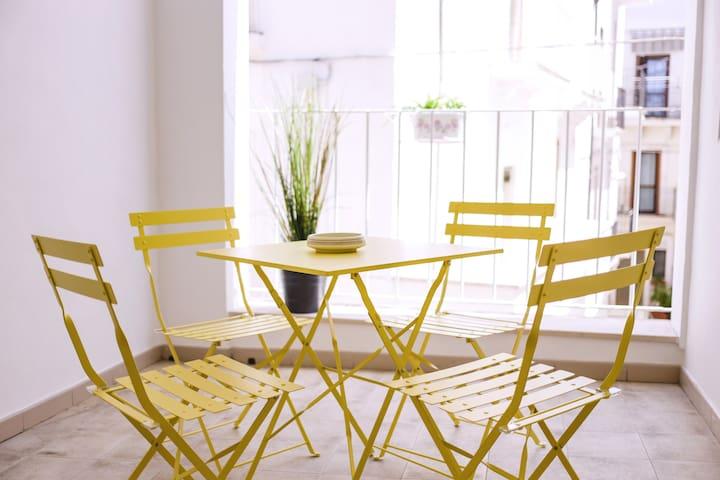 Dimora Silvestri Apartment, kitchen and terrace