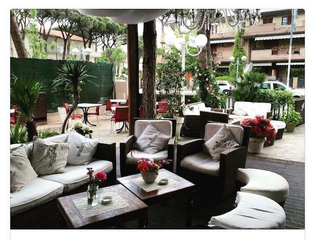Hotel Helvetia - Cervia - Bed & Breakfast