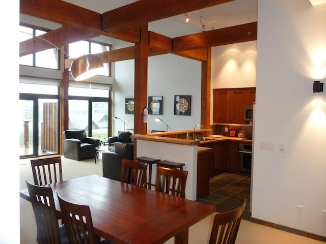The Haida Way - Ucluelet - Apartament