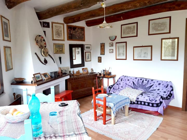 House with one bedroom in Oliena, with furnished terrace and WiFi - 25 km from the beach
