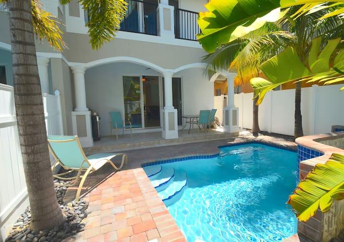 """By The Sea Vacation Villas LLC- """"Villa Vista 37"""" - Lauderdale-by-the-Sea"""