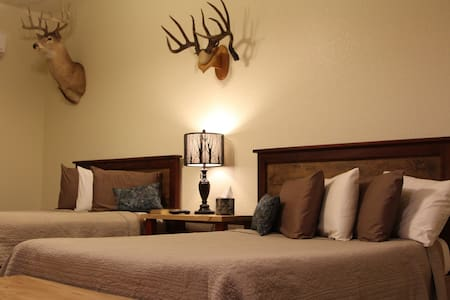 Whitetail Suite
