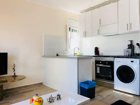Pretty fully renovated flat directly at the beach