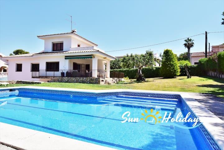Villa con piscina privada a 900 de la playa
