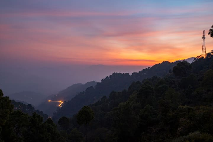 The Kasauli Heights 1 Bedroom Apt  By HindustanBnB