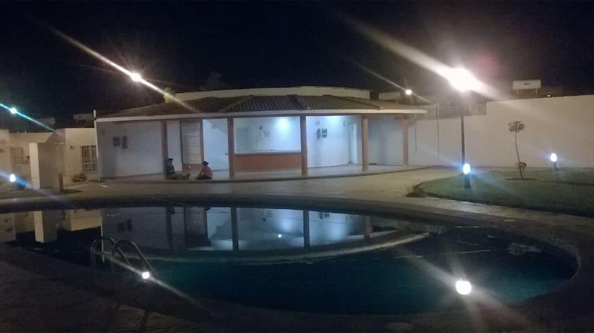 Cómoda y práctica casa en cond - Cuautla - Rumah