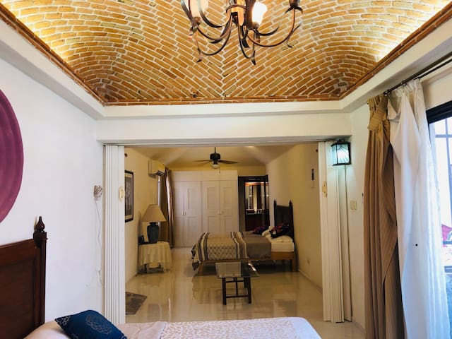 Hermosa habitación familiar centro cancun colibri)