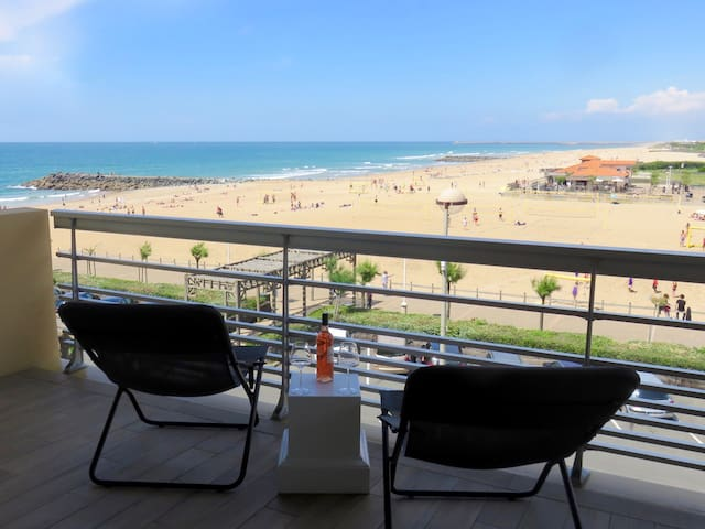 Anglet  78 m2 , face océan, T3, terrasse ,parking