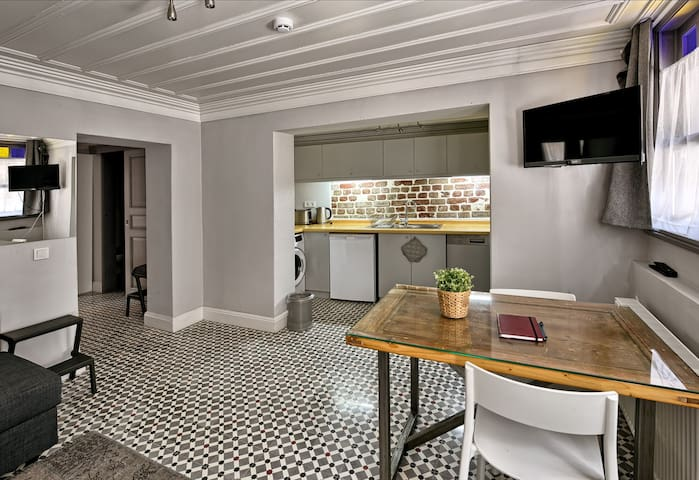 Beautiful apartment with garden in the old city
