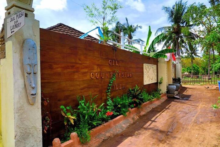 Pool view villa B in Gili Trawangan