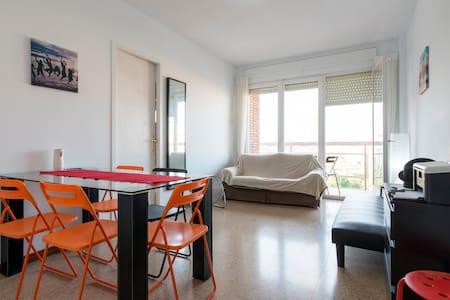 TRIPLE ROOM+PRIVATE BATH,SUN& METRO - Barcelona