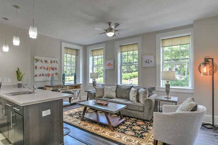 Charming, Newly Renovated 2 bdr/2 bath in Historic King James Building Unit #5