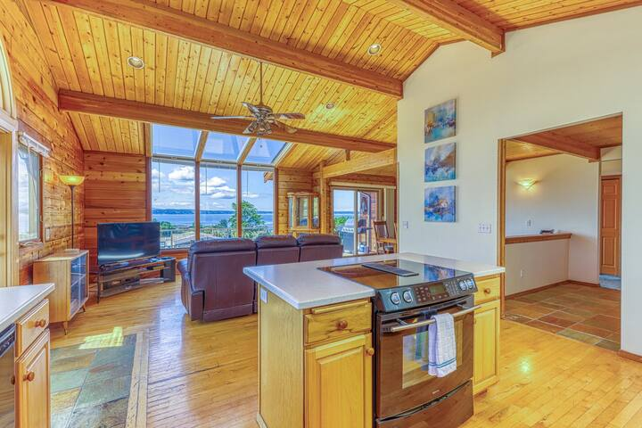 Family & dog-friendly home w/ deck, mountain & bay views