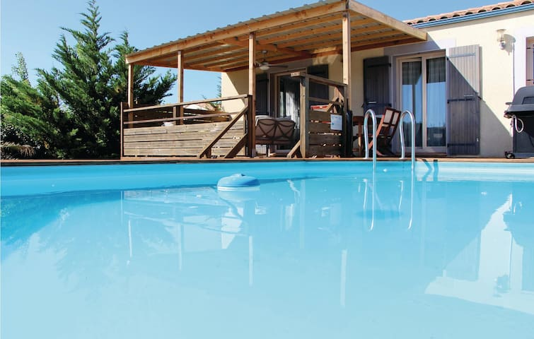 Holiday cottage with 3 bedrooms on 75m² in Tuchan