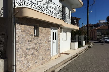 Studio apartment next to port and city centre - Mesolongi