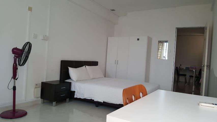Spacious Room near Paya Lebar MRT