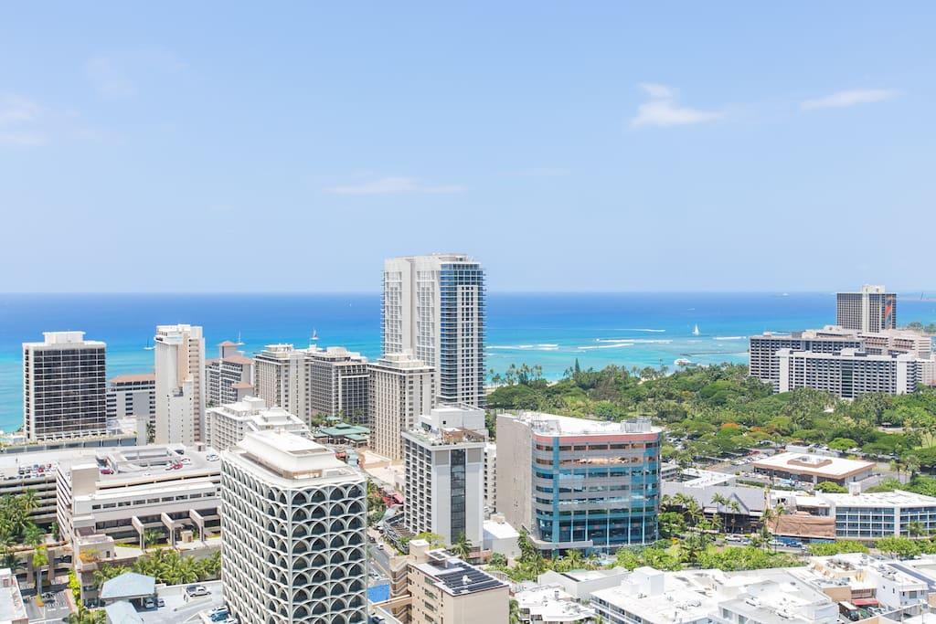 35th Floor Royal Kuhio 2 Bedroom Suite Waikiki Apartments For Rent In Honolulu Hawaii