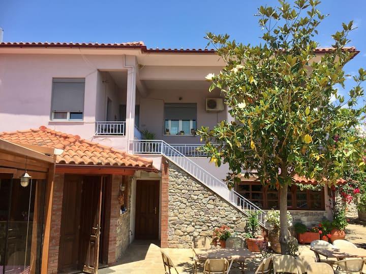 Matoula's Guest House(ΑΜΑ 867200)