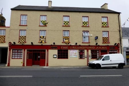 Urlingford Arms B&B, Urlingford, Co. Kilkenny. (8)