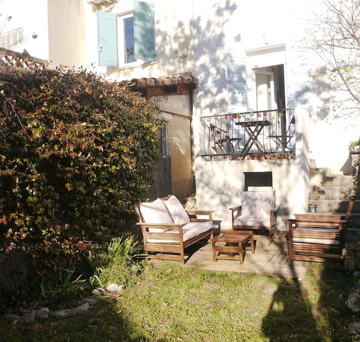 Chez soso avec jardin apartamentos en alquiler en aix en provence provenza alpes costa azul - Recuperar jardin aixen provence ...