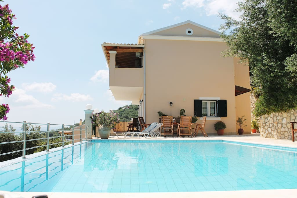 Villa Anthoula pool area