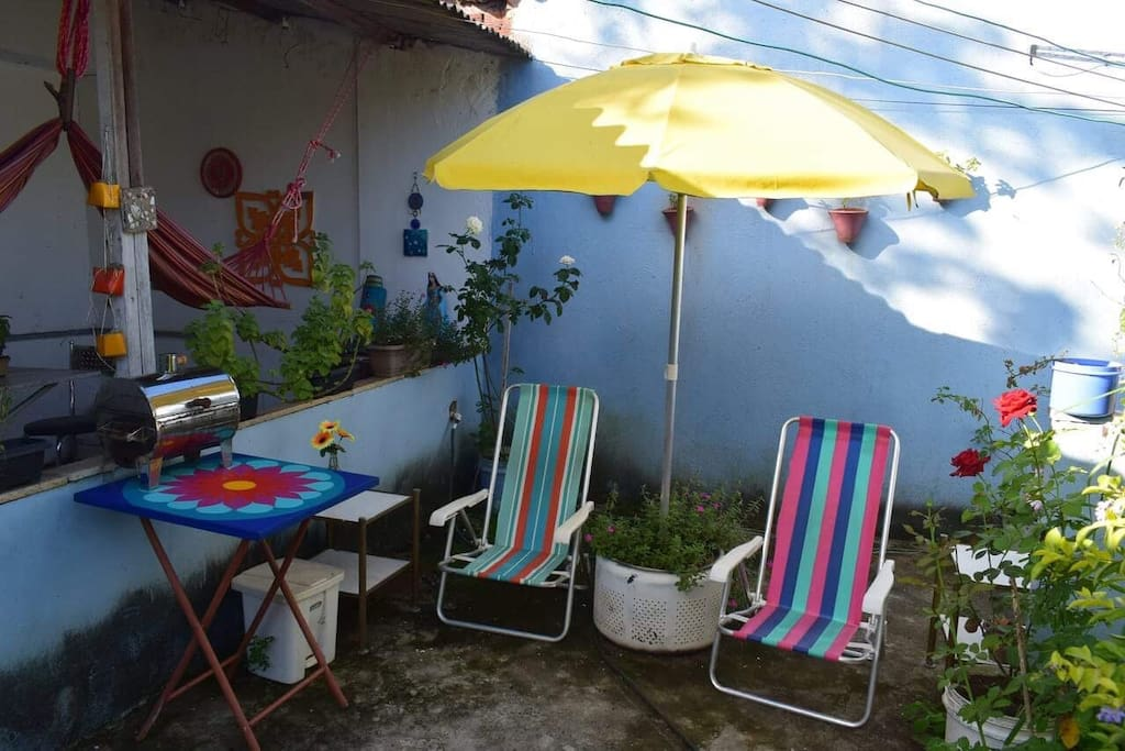 Sun chairs. Here it's nice to have breakfast or to watch some Netflix under the stars.