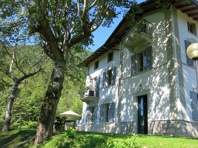 Unique tranquil Villa at Lake Como - Casasco Intelvi - House