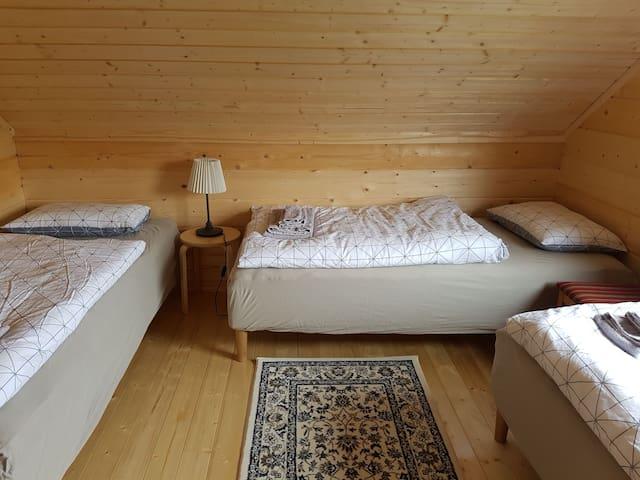Mýrartunga Guesthouse three single beds