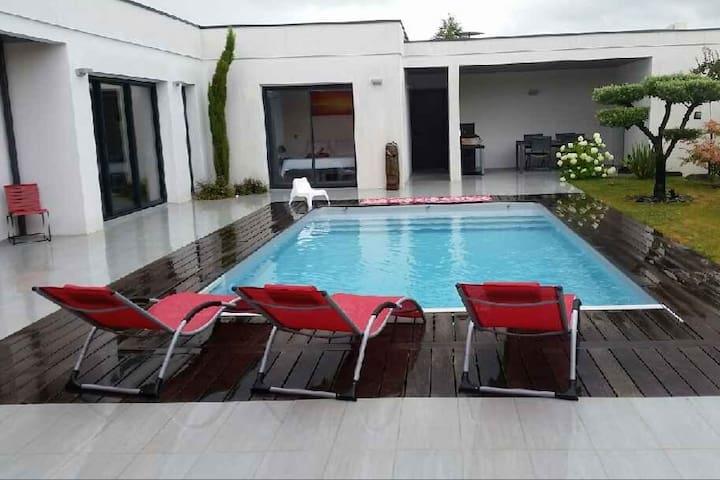 Maison contemporaine 150m² avec piscine chauffé