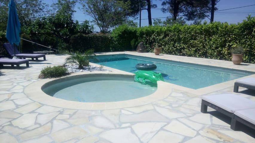 Gîte L'olivade pour 4 pers piscine privée