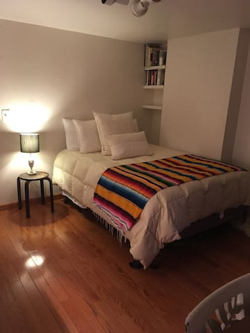 Large Private Room in Quiet BK Heights Apartment
