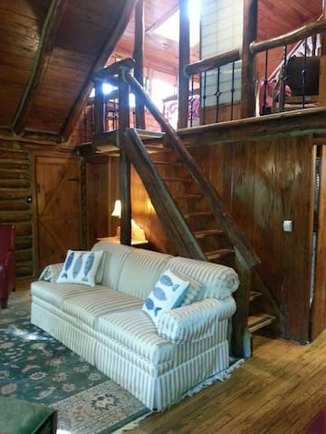 Living space/stairs to loft
