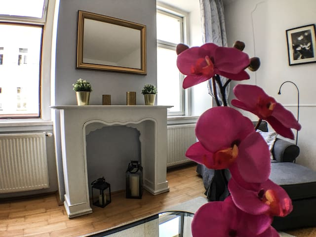 City Appartement- 5 min to City Center