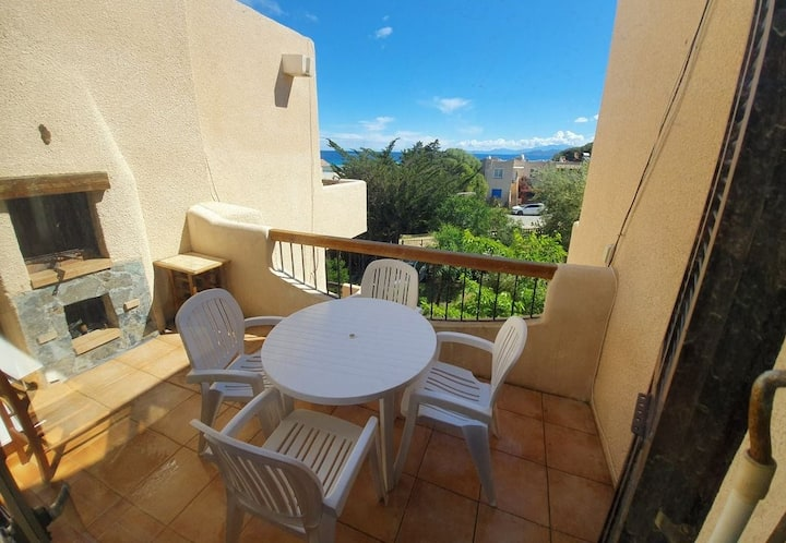 Nice studio in L'ile Rousse 80m from the beach