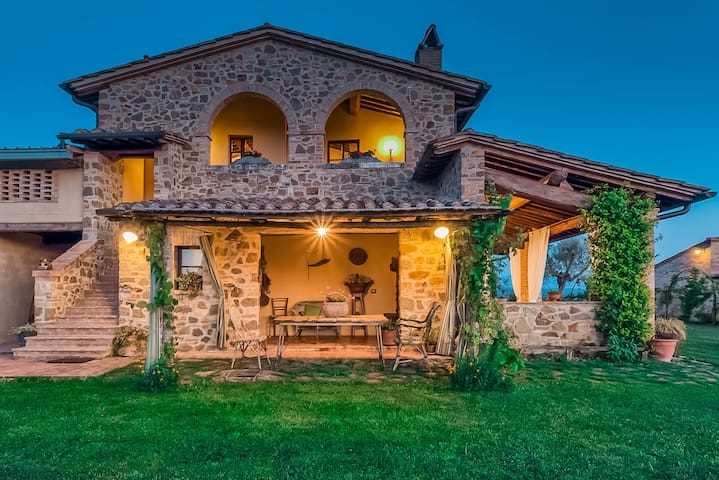 Rondini - Apartment with Tuscany landscape views