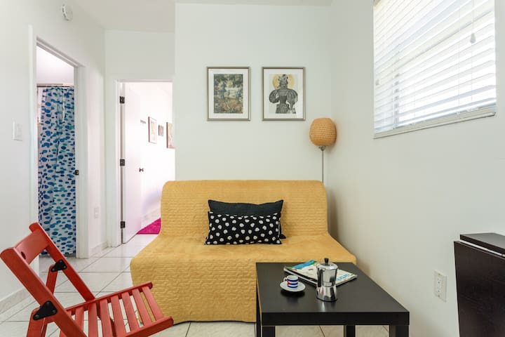 Cozy One Bedroom Studio, Heart of Little Havana