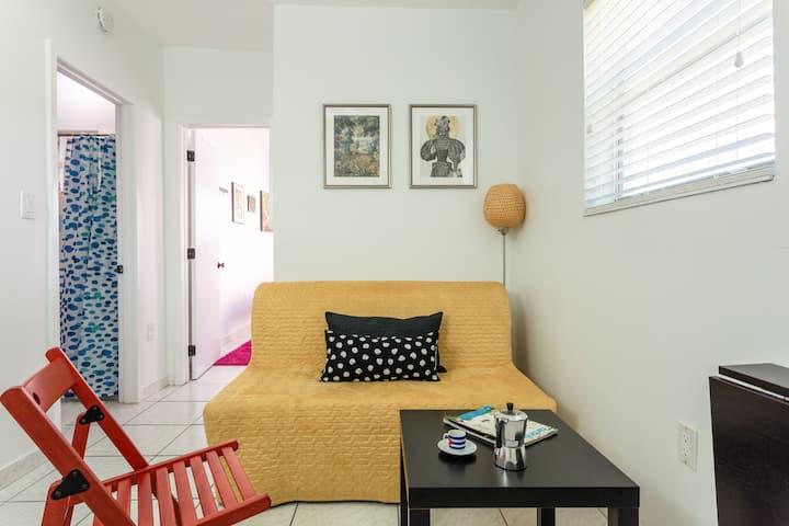 Cozy One Bedroom Studio, Heart of Little Havana