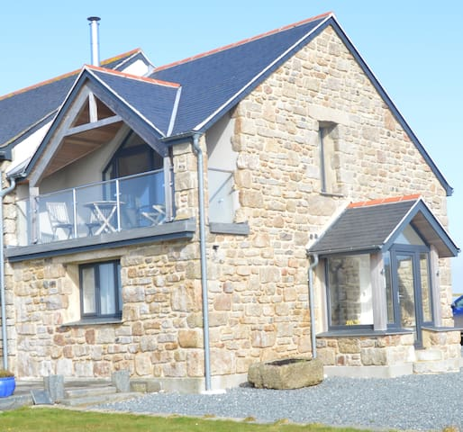 Chy Morva- located close to Porthcurno and Treen