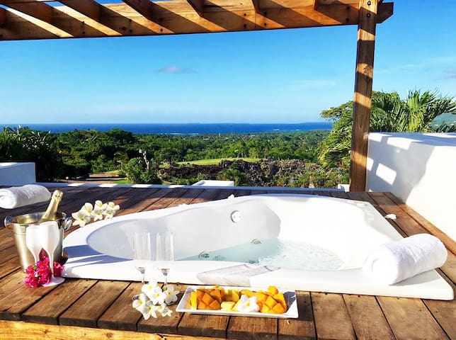 Private rooftop Jacuzzi